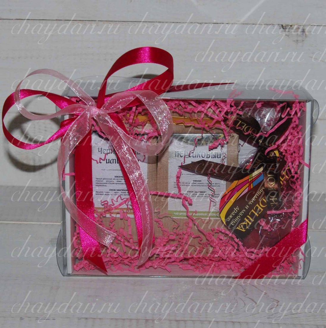"""Чайная коробка со сладостями """"Весенний праздник 8 Марта"""""""
